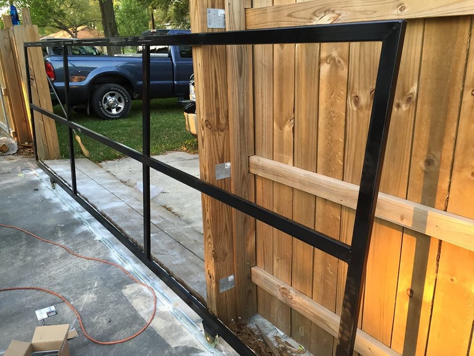 Roll Fence Gate Systems Ultimate Siding Amp Gutters